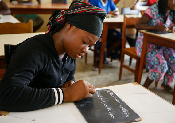 How to reduce young girls' school dropouts in Cameroon?